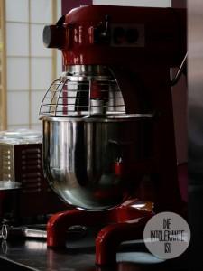 Woellsteins-Desserthaus-riesige-Teigmaschine